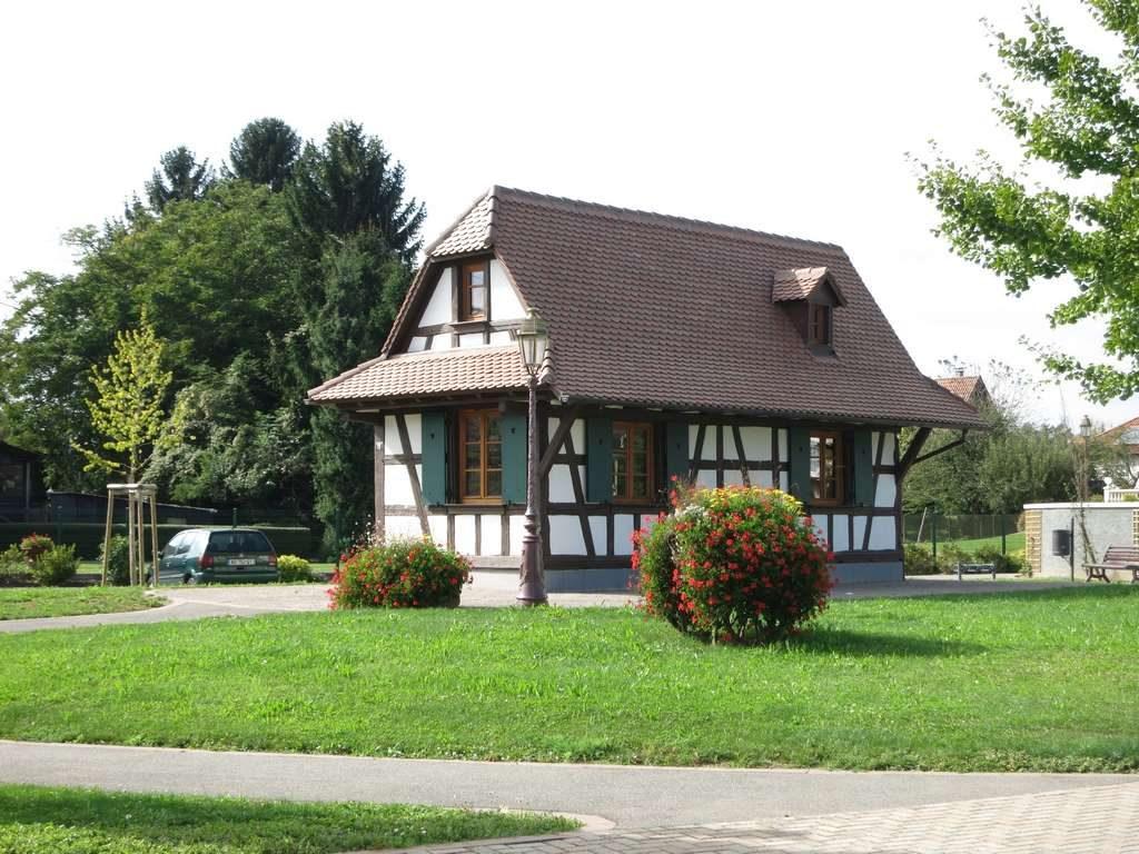 Maison alsacienne reconstruite près du cimetiere